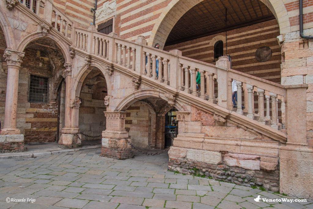 Palazzo della Ragione - Il Centro Storico di Verona