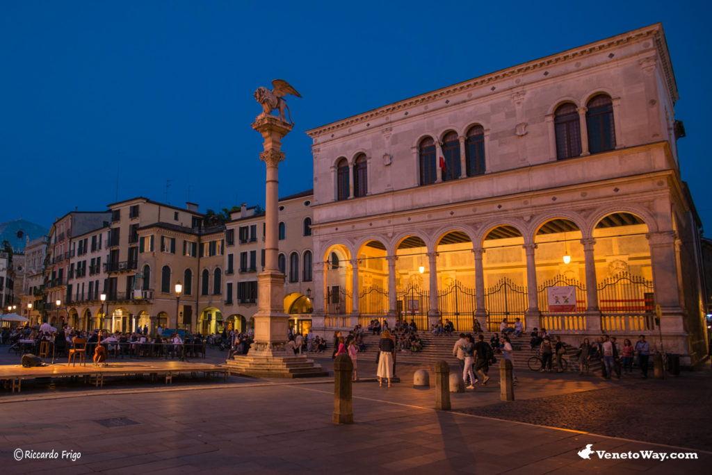 Piazza dei Signori - Le Piazze di Padova