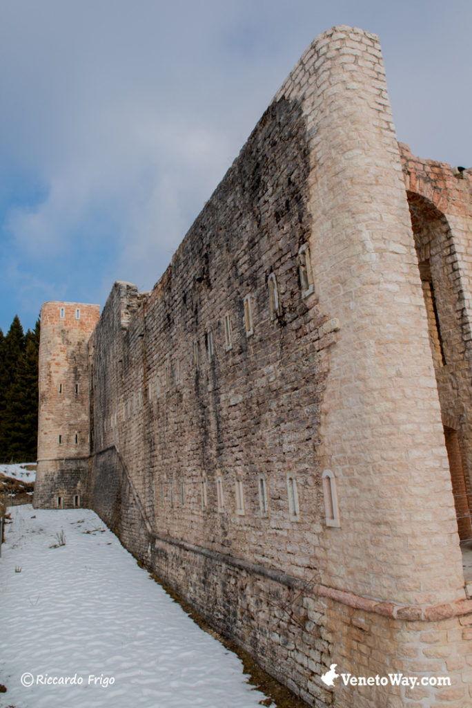 Caserma Monte Interrotto - Escursione al Forte Interrotto