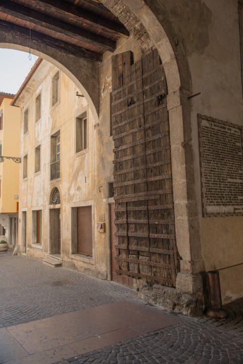 Porta Dojona - Le Fortificazioni Romane