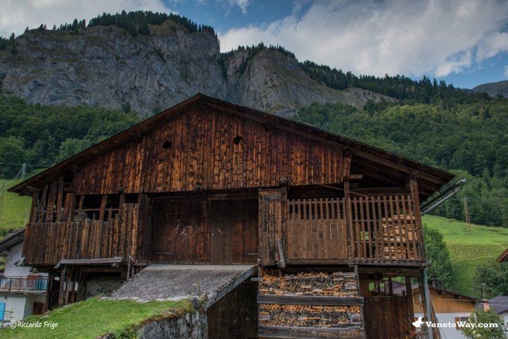 I Tabià, gli antichi fienili delle Dolomiti