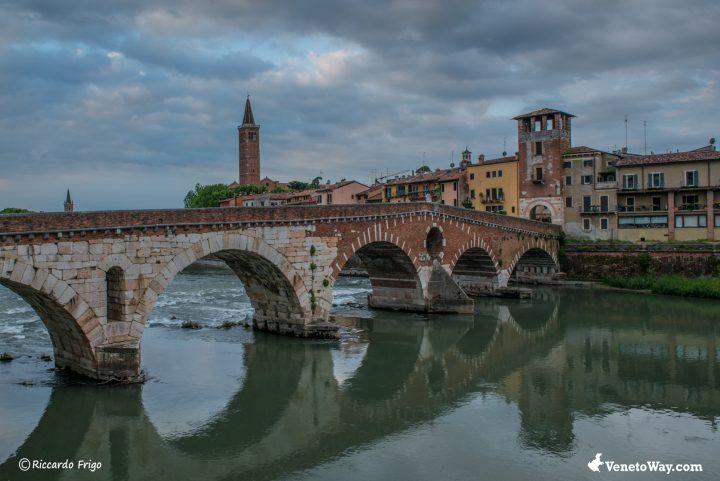 Ponte di Pietra - Teatro Romano