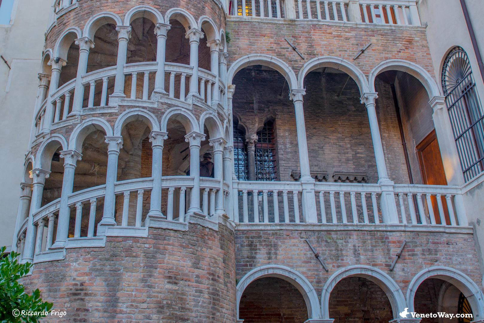 Palazzo Contarini Bovolo